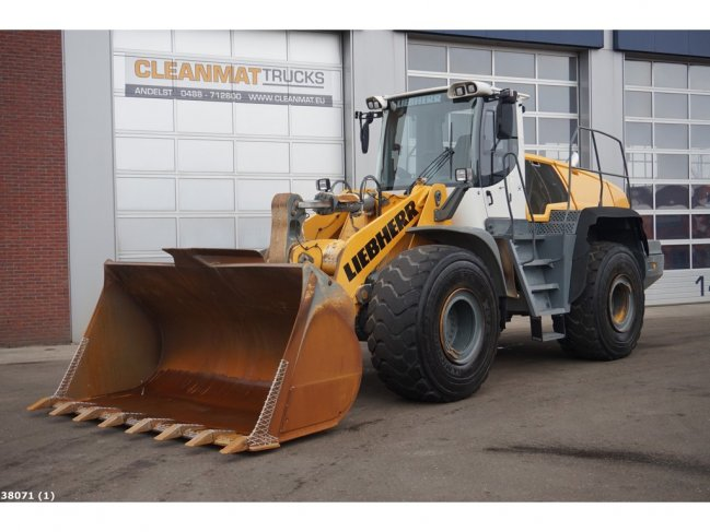 Liebherr  L566 wheel loader (0)