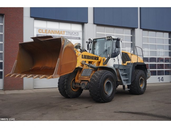 Liebherr  L566 wheel loader (13)