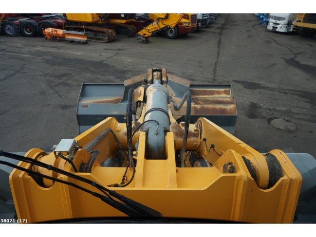 Liebherr  L566 wheel loader (16)