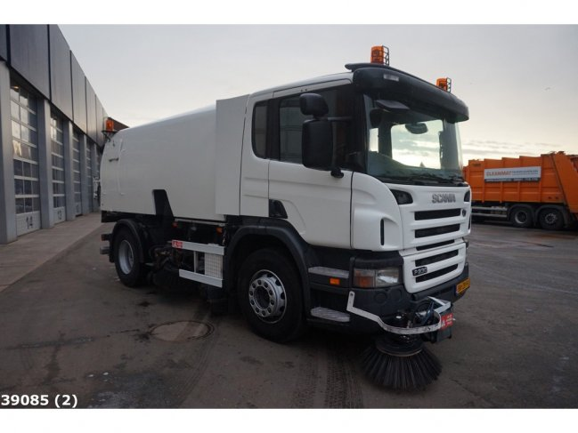 Scania  P 230 Bucher Schorling Cityfant 60H (2)