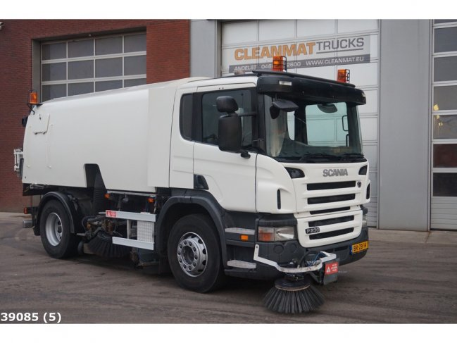 Scania  P 230 Bucher Schorling Cityfant 60H (5)