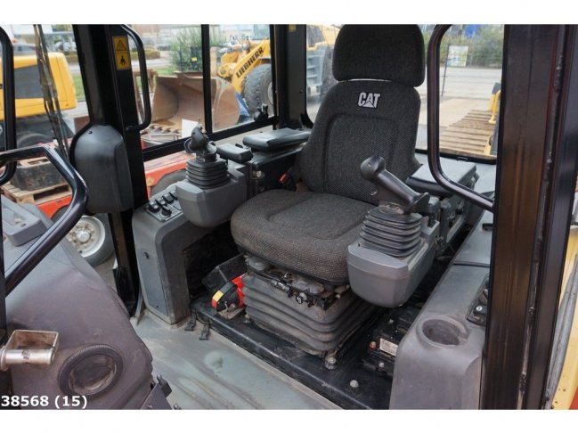 Caterpillar  D6K LGP with Ripper and GPS (9)