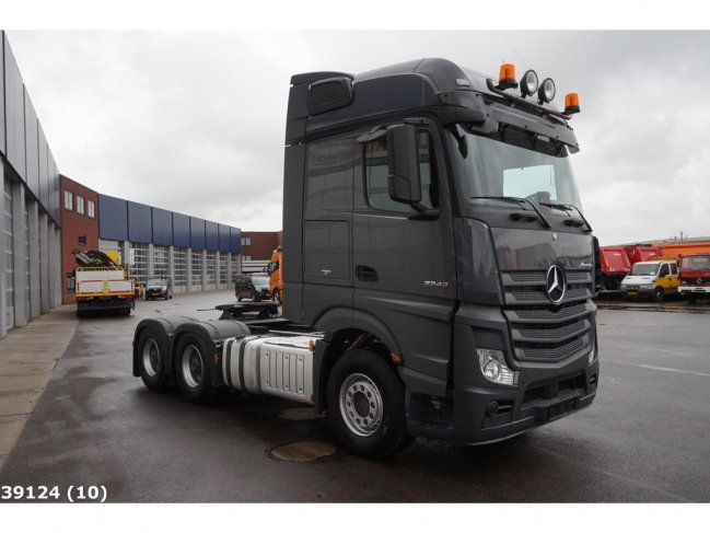 Mercedes-Benz  Actors 3348 6x4 Euro 6 (3)