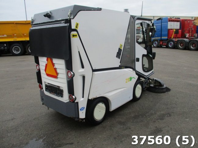 TENNANT  500 ZE Electric (2)