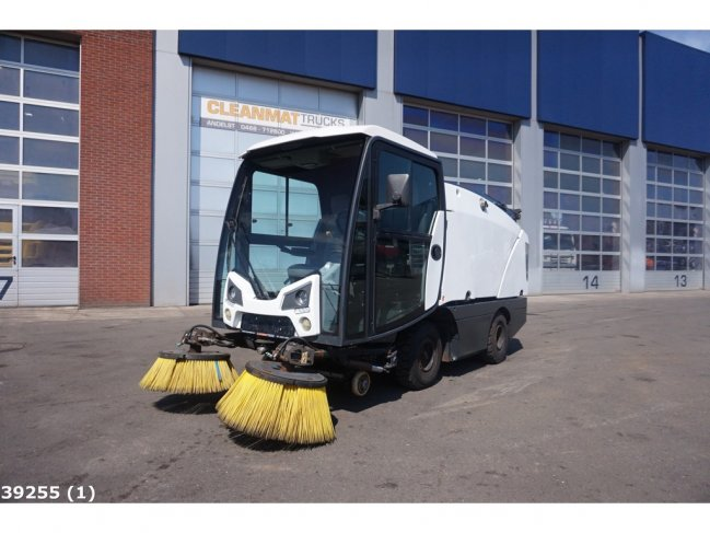Johnston  CN 201 sweeper (0)