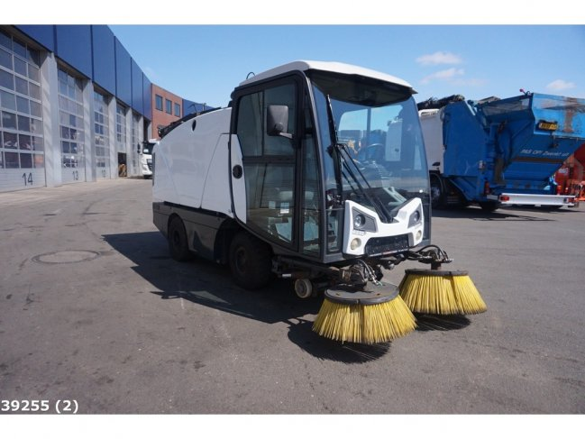 Johnston  CN 201 sweeper (1)