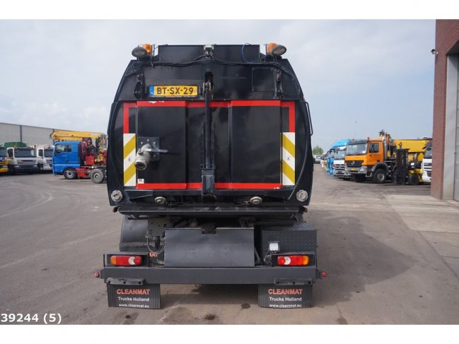 Volvo  FL 240 Johnston VT 650 (2)