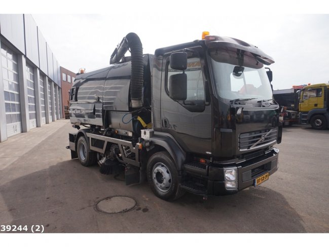 Volvo  FL 240 Johnston VT 650 (4)