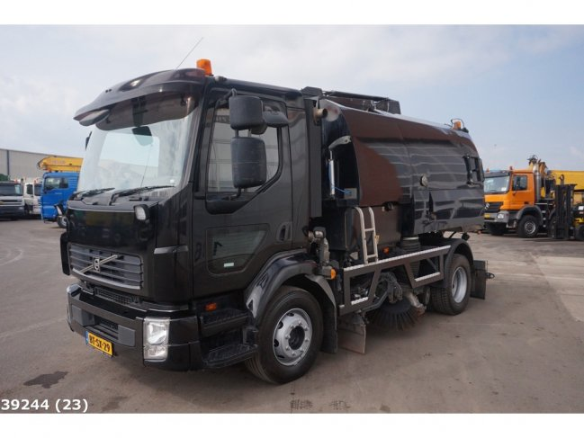 Volvo  FL 240 Johnston VT 650 (8)