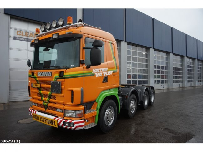 Scania  R 124.420 8x4 Retarder Manual (0)