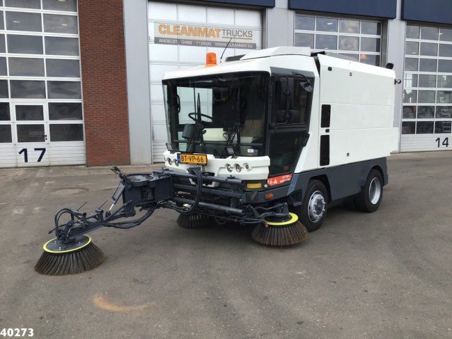 Ravo  580 EURO 4 80 km/h with 3-rd brush (0)