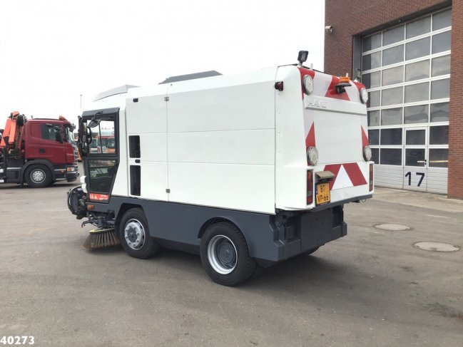 Ravo  580 EURO 4 80 km/h with 3-rd brush (1)